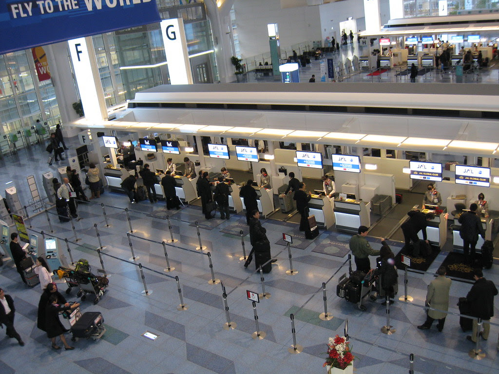 View of Haneda (HND) JAL Business Class check-in counters from above
