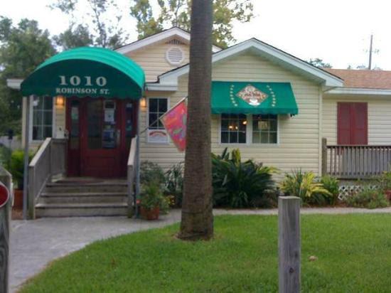 "<a href=""/Restaurant_Review-g43929-d2326462-Reviews-Bayview_Gourmet_Restarant-Ocean_Springs_Mississippi.html"">Bayview Gourmet Restarant</a>: Pictures"