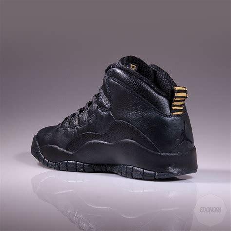 nike air jordan  retro  york edonora sneaker store