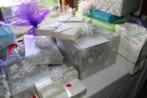 Ideal Bridal Shower Gifts   Wedding