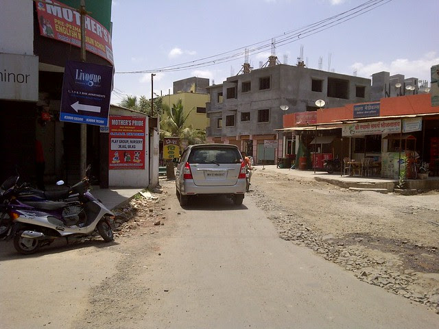 To Amanora - Keshav Chowk - Keshav Nagar - Malwadi Hadapsar  - Visit Livogue - 1 BHK, 1.5 BHK & 2 BHK Flats at Malwadi Hadapsar, Pune 411028