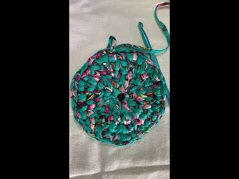 Crochê, fio de malha, estampado, base circular(1), ponto baixo  centrado.
