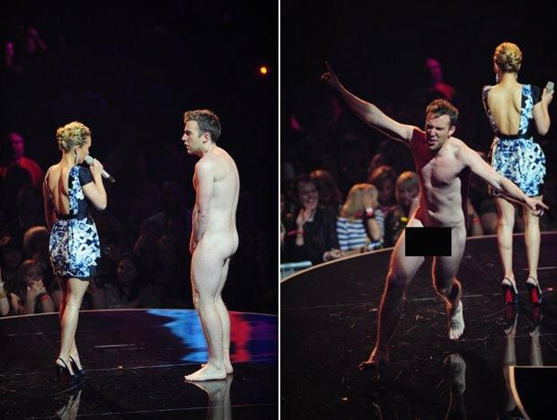 Homem invadiu palco durante a apresentação do prêmio de melhor música. (Foto: Leon Neal/AFP)