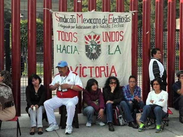 El equipo de Peña Nieto plantea que el tema de los ex electricistas se analice en los sectores laboral y energético. Foto: Archivo