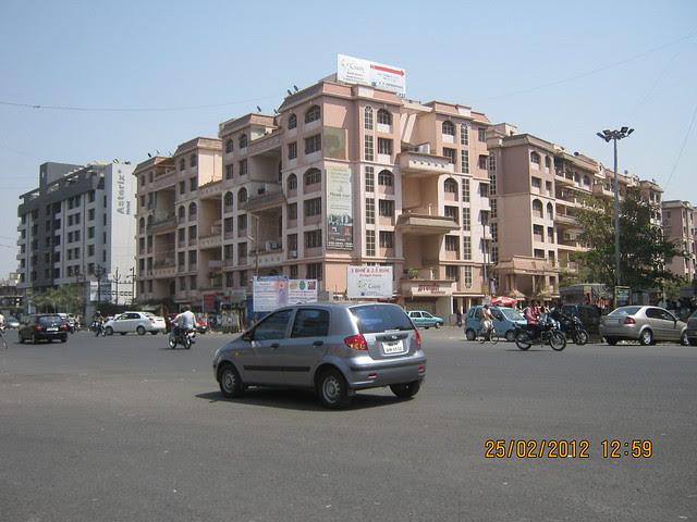 Kunal Icon Chowk - Visit Gobind Shree Ganesh Graceland & Mantri Mystica, near Hotel Shivar Garden, Rahatani, Aundh Annex,  Pune 411017