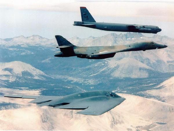 B-2, B-1 y en vuelo B-52