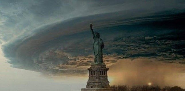 "L'art du ""fake"" : Photo montage de l'ouragan Sandy à New York. (DR)"