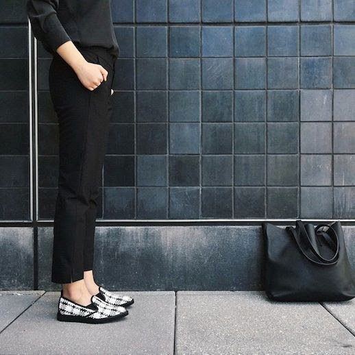 6 Le Fashion Blog The Everlane Street Shoe Woven Black White Slip On Sneaker Pants Leather Tote Instagram photo 6-Le-Fashion-Blog-The-Everlane-Street-Shoe-Woven-Black-White-Slip-On-Sneaker-Pants-Leather-Tote-Instagram.jpg