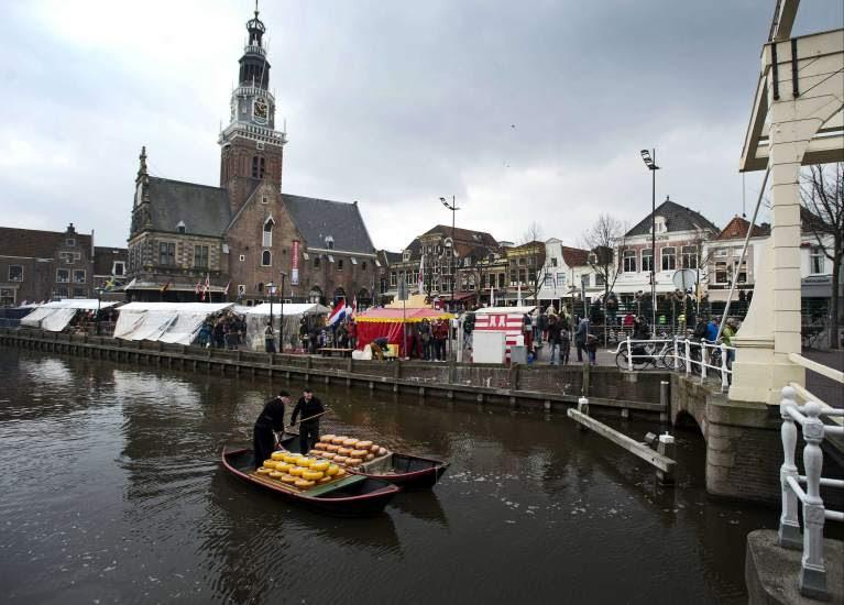 Abre el mercado del queso de Alkmaar