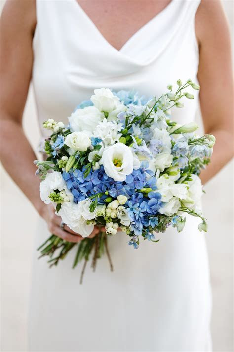 Summer Wedding Flowers Guide Sunshine Coast weddings