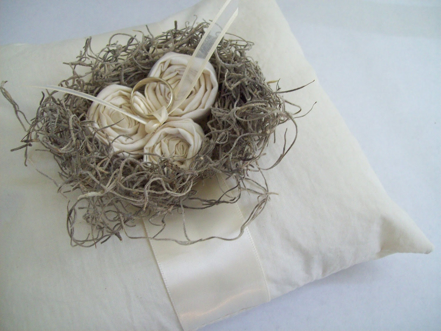 lil nest... natural cotton ring pillow