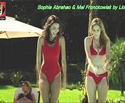 Sophia Abrahao e Mel Fronckowiak sensuais na novela Rebelde