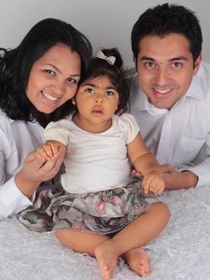 O metroviário Rodrigo Sousa Silva, a filha Nicole e a mulher (Foto: Rodrigo Sousa Silva/Arquivo Pessoal)