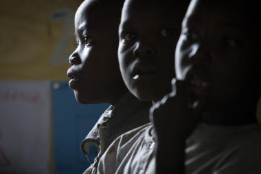 <p>Adquirir habilidades sociales como aprender estrategias para evitar las agresiones asegura el buen desarrollo de los menores de cuatro años. / M.Hoffer.</p>