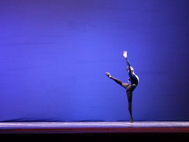Sonho do Gabriel é fundar uma academia de dança nos moldes do ballet russo, em Mogi (Foto: Gabriel Lopes/ arquivo pessoal)