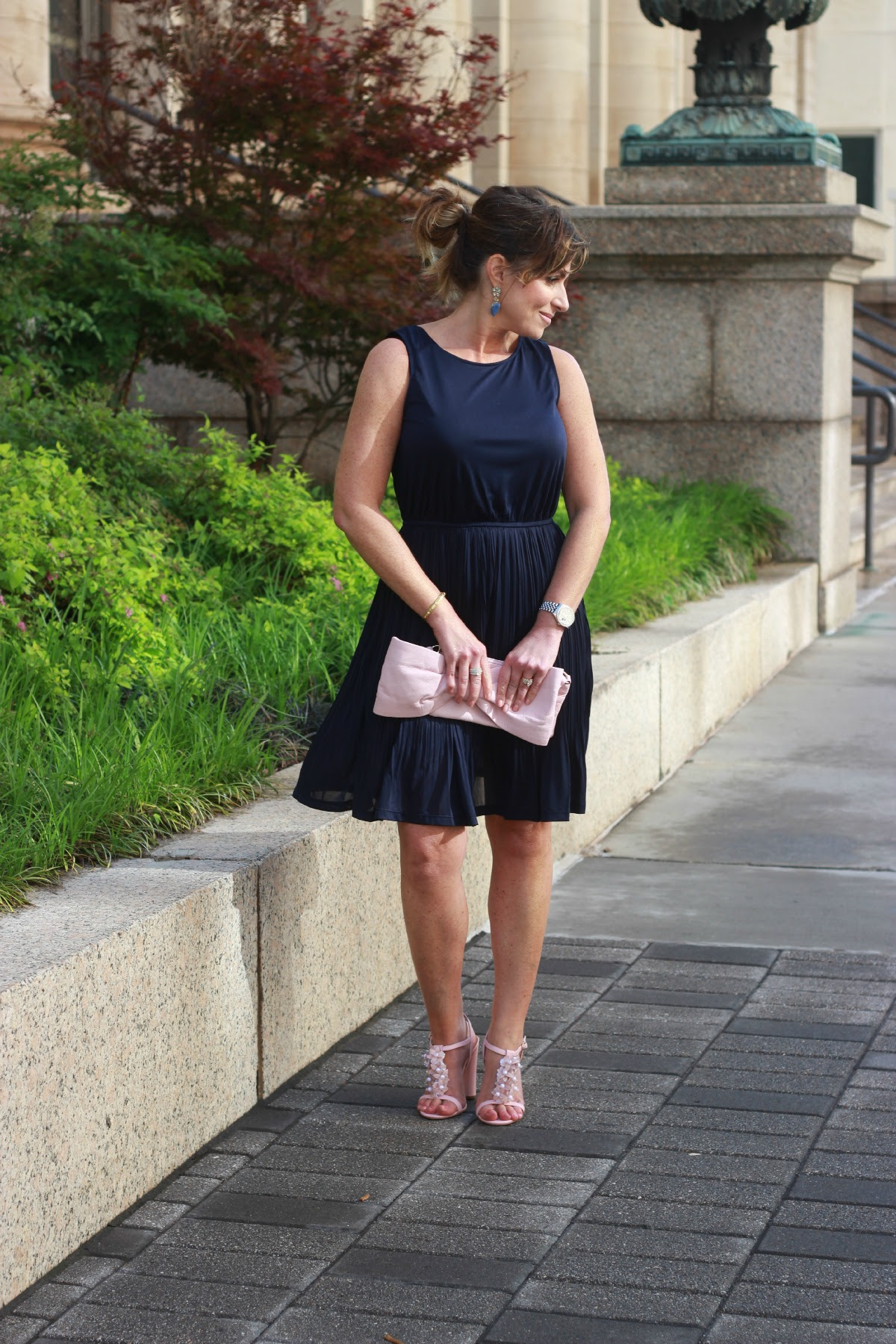What To Wear To An Elegant Dinner Party