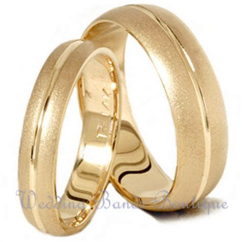 10k Yellow Gold His & Hers Matching Wedding Bands Set Mens