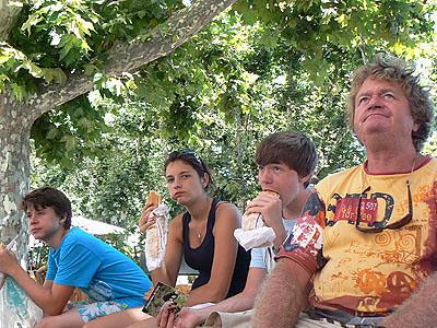 sandwiches sur la place saint nicolas.jpg
