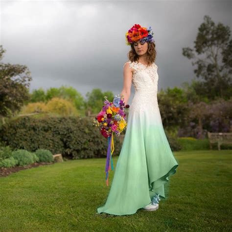 1000  ideas about Dipped Wedding Dress on Pinterest