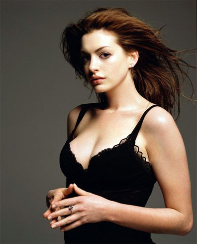 catwoman costume anne hathaway. Anne Hathaway to play Selina