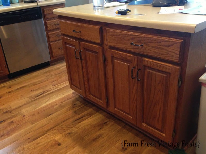 How to Paint Cabinets Using Annie Sloan Part 3 - Farm ...