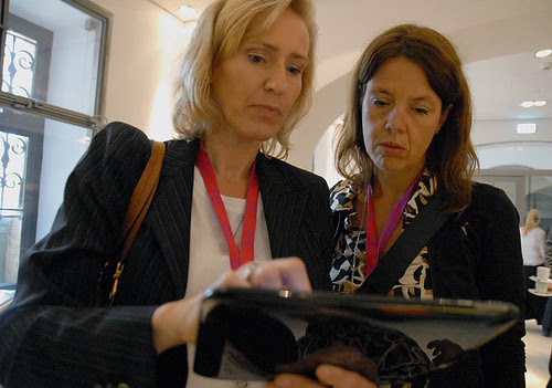 HP manager Regine Pohl demonstrating the webOS based Touchpad Tablet @ DLD DLDWomen 2011