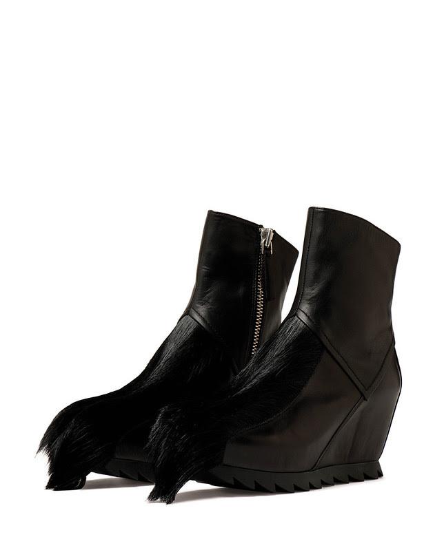 AW12007_1 pair