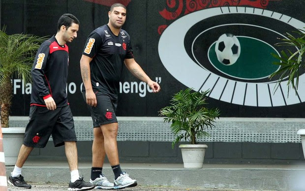 Adriano treino Flamengo (Foto: Cezar Loureiro / Agência O Globo)