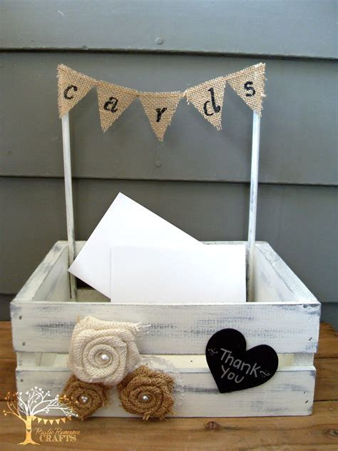 Need a cute way to collect your wedding cards? This cute