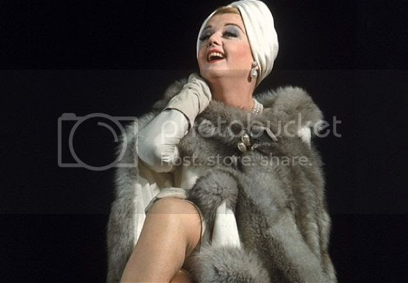 Angela Lansbury - Mame photo angela_lansbury_zpsd0081d2e.jpg