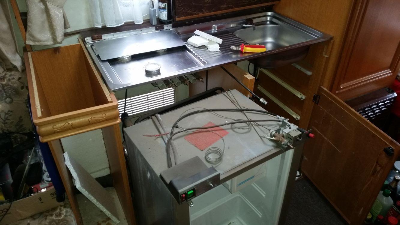 Red Bull Kühlschrank Dose Reparieren : Fendt wohnwagen kühlschrank ausbauen lydia clark