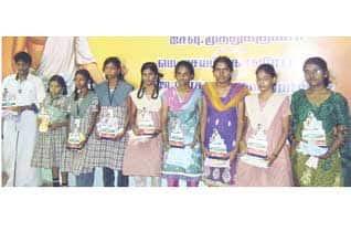 http://img.dinamalar.com/data/largenew/Tamil_News_large_828284.jpg