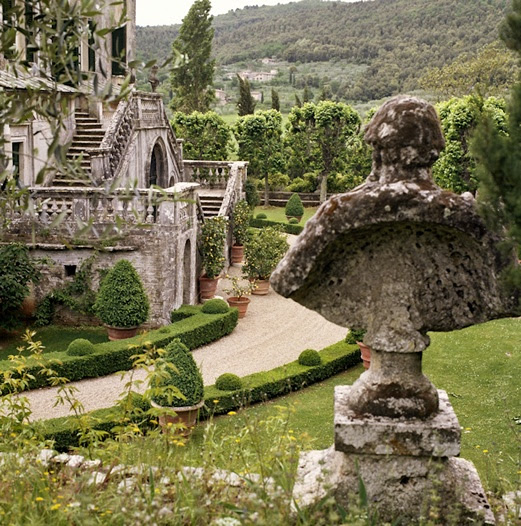 Between The Boxwoods: Travel Tuesday - Villa Cetinale