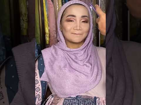 ON PROSES MAKE OVER HIJAB MAKE UP PENGANTIN INDONESIA