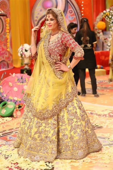 Traditional Bridal Mehndi Dresses 2018 19 Collection for