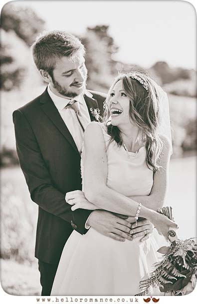 Black & White wedding cuddle - www.helloromance.co.uk