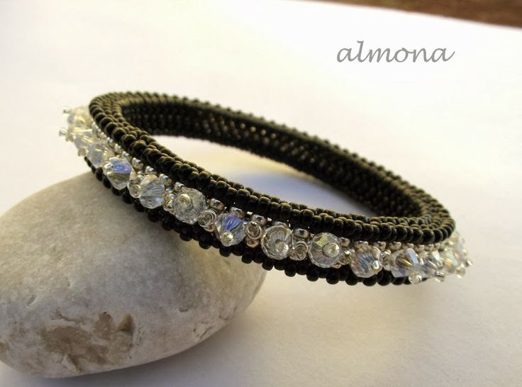 almona: CRAW karperec / CRAW Bangle