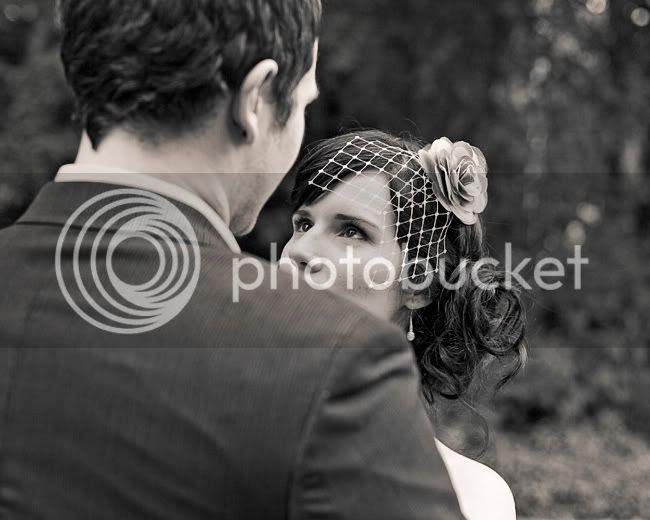 http://i892.photobucket.com/albums/ac125/lovemademedoit/LN_GardenWedding_042.jpg?t=1312697051