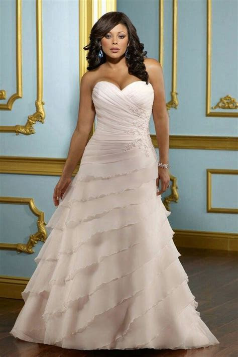 Plus size wedding dress, wedding gown for the full figured