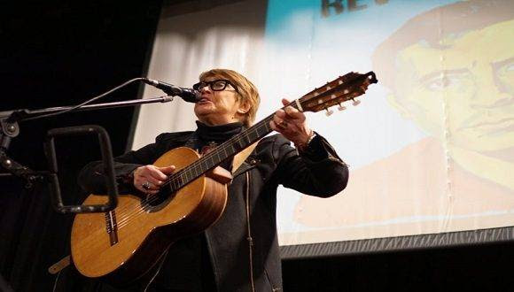 La gran cantora Teresa Parodi participó en la velada. Foto: Cortesía del autor.