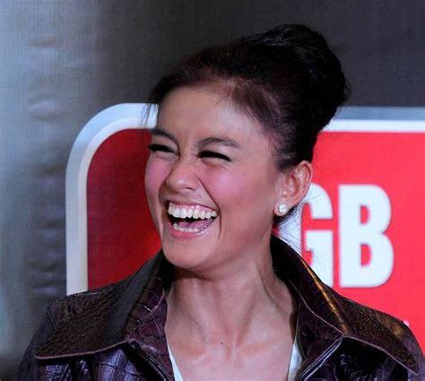 kamu bisa  tertawa tiap hari tapi kamu perlu cek dulu