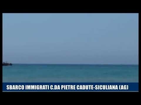 Siculiana, arrivo di migranti. Lo sbarco da un peschereccio
