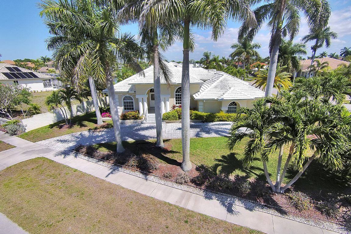 Blackmore Ct 600 Marco Island Vacation Rental  Marco