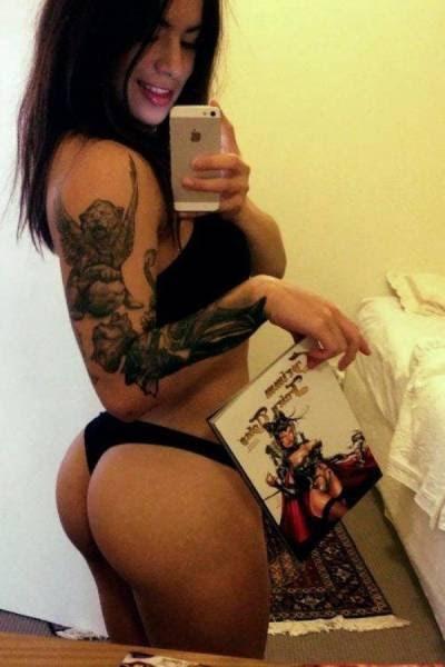 Соблазнительные девушки с татуировками (26 фото)