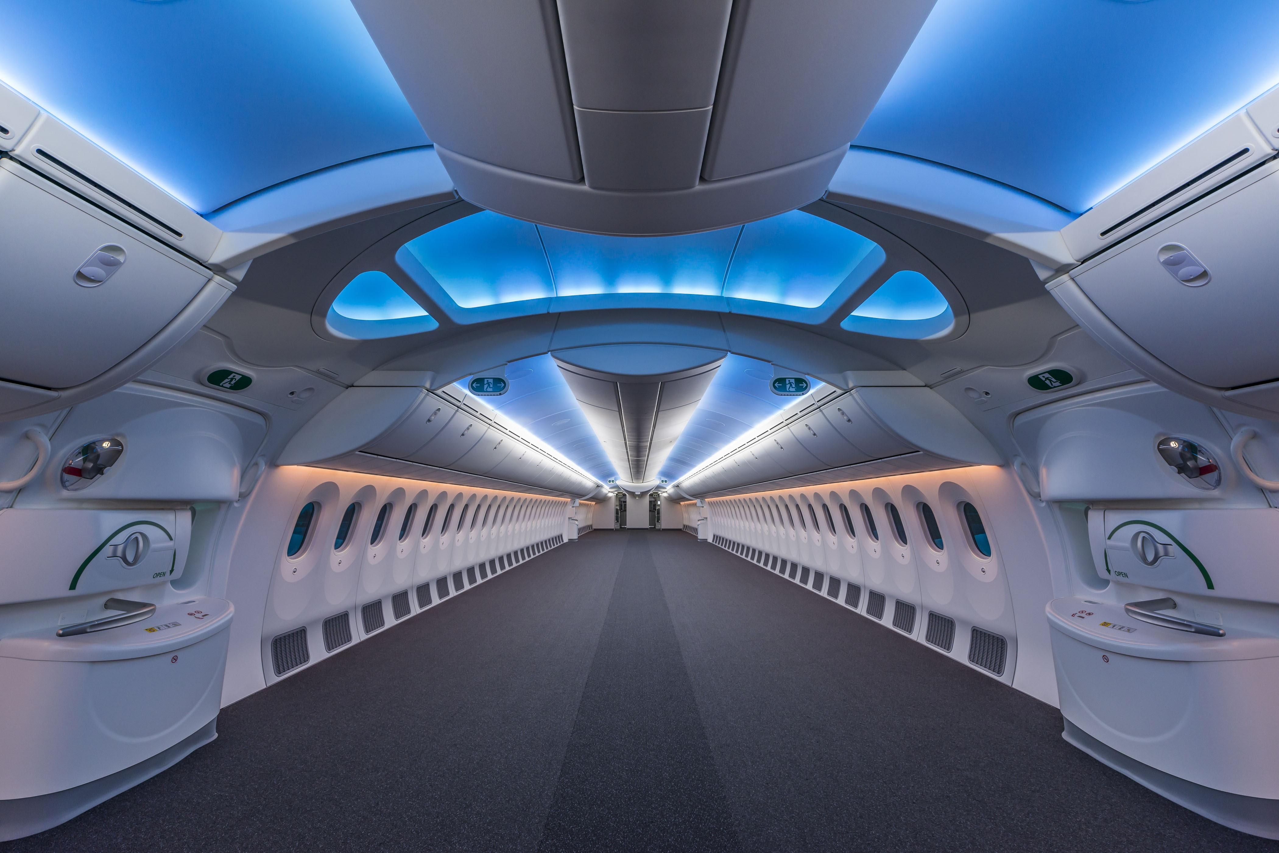 empty boeing 787 plane