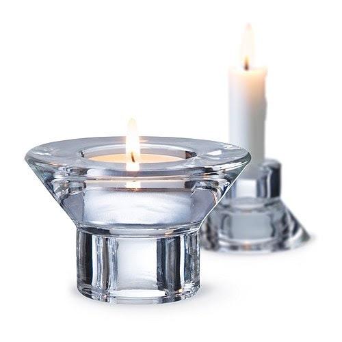 NEGLINGE Candeliere/portacandelina IKEA Puoi usare NEGLINGE come candeliere o come portacandelina, in base al lato che giri verso l'alto.