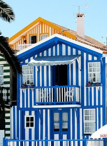 Curious Places: Striped houses of Costa Nova (Costa Nova do Prado/ Portugal)