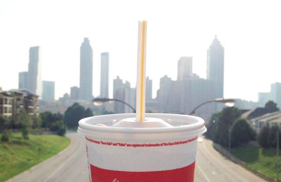 McDonald s dan Starbucks Tak Akan Pakai Sedotan Plastik
