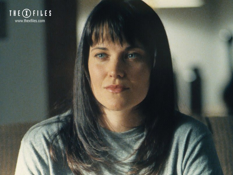 Lucy Lawless Gallery wallpaper