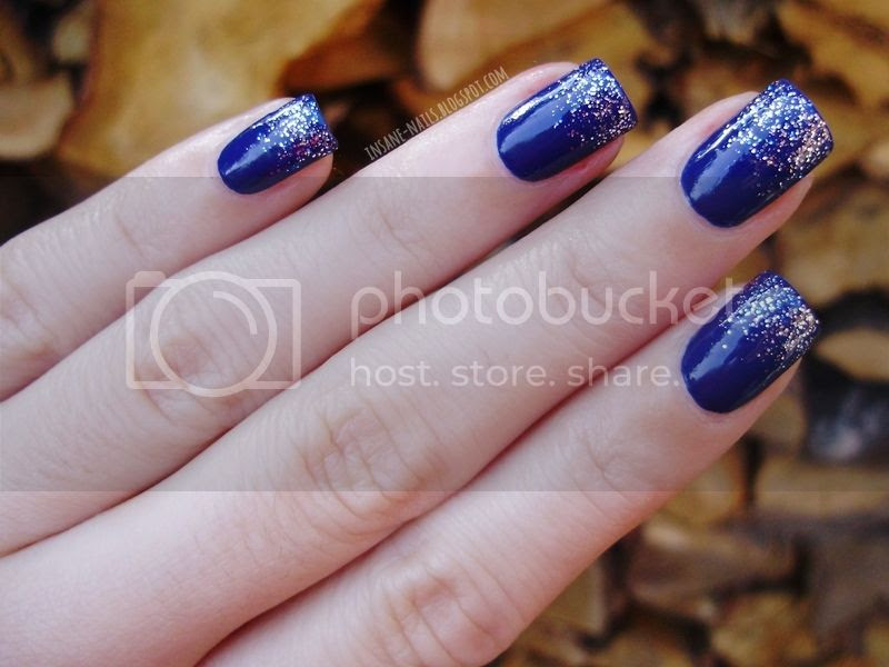 photo blue-glitter-nails-3_zps2691b079.jpg